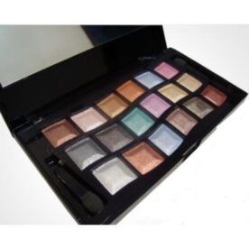 Mac 18 Color Eyeshadows In Pakistan