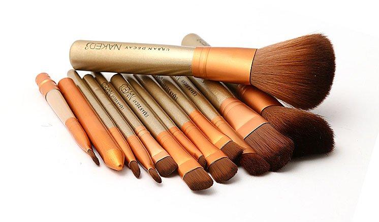 Pack of 12 Naked 3 Brushes