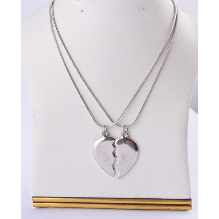 Buy broken heart pendant chain online in pakistan getnow broken heart pendant with chain in pakistan mozeypictures Choice Image