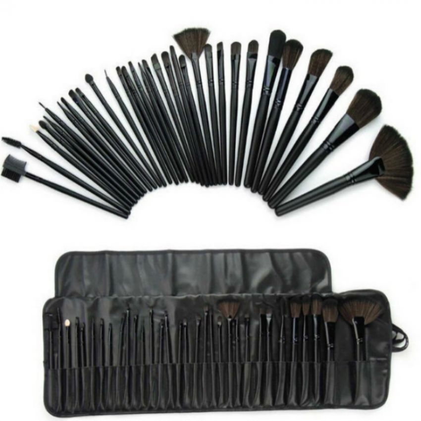 Pack of Mac 32 Pcs Brush Set With Black Pouch in Pakistan